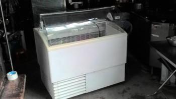 Thu mua tủ trưng bày kem