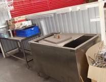 thanh lý thùng đá inox